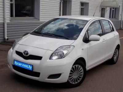 Arenda-Toyota-Yaris-1